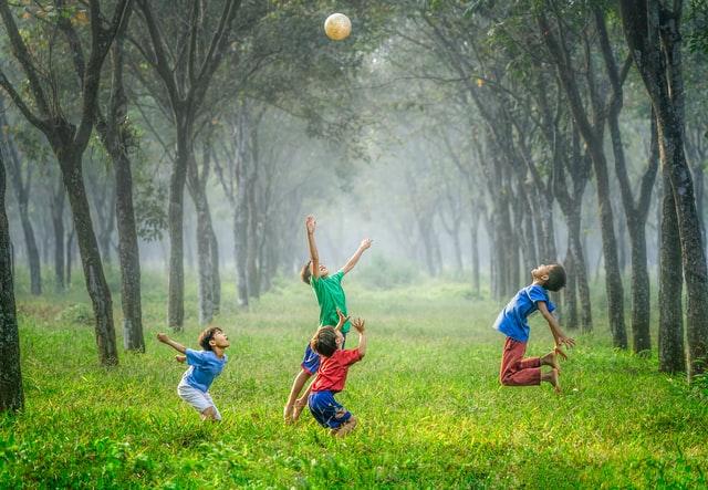 Švelninamas karantinas: leidžiami sporto bei neformaliojo švietimo užsiėmimai atvirose erdvėse