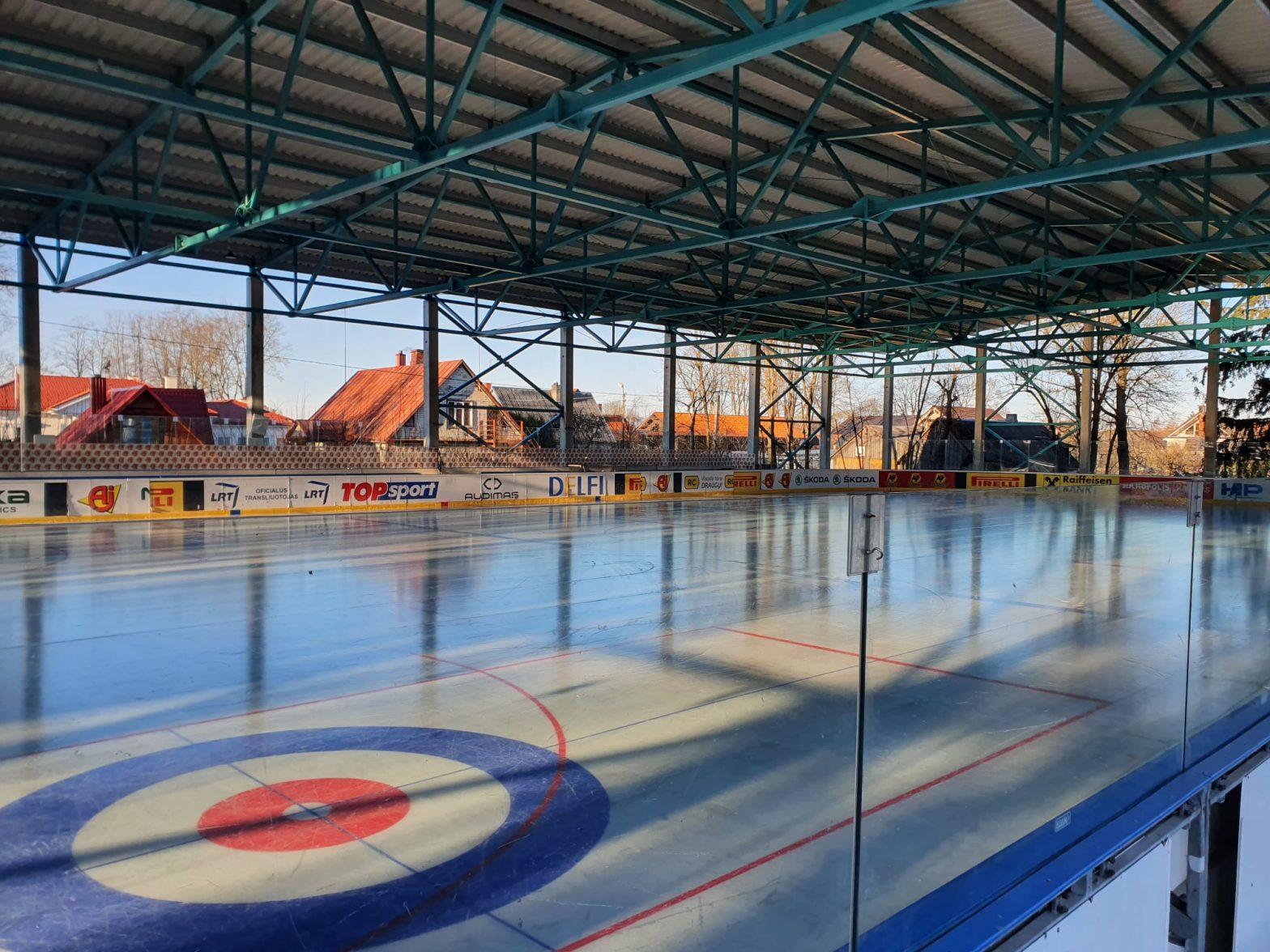 Rokiškio ledo pramogų ir sporto entuziastai sulaukė savo svajonių aikštelės