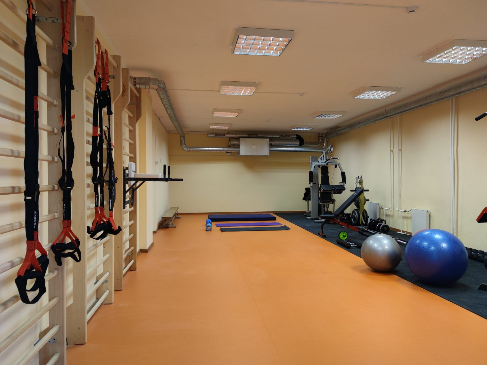 Atnaujinta profesinio mokymo centro sporto erdvė Visagine kviečia sportuoti miestiečius